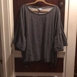 T-shirt blouse with elbow length bell sleeves